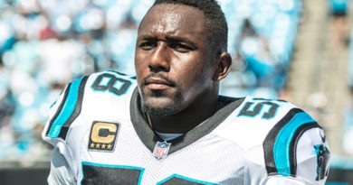 Carolina Panthers Inform Thomas Davis That They Are Heading in a Different Direction